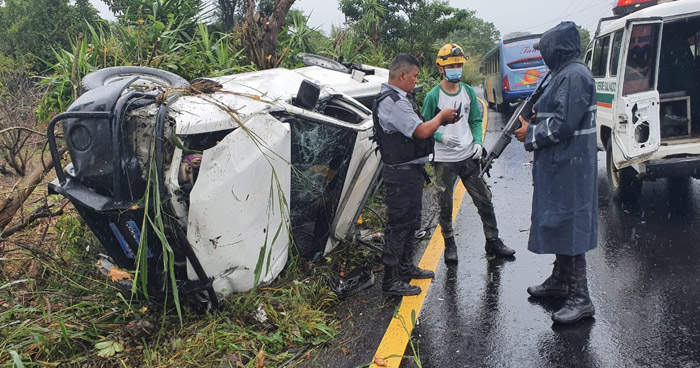 Un lesionado grave tras accidente en carretera a Santa Ana