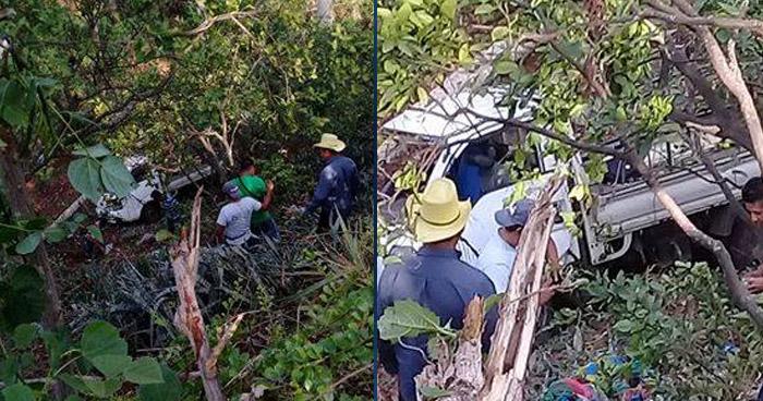 Varias personas lesionadas luego que pick up volcara en Tacuba, Ahuachapán