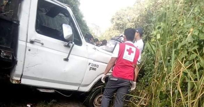 Niño de 14 años muerto y varios lesionados deja aparatoso choque en Tepecoyo