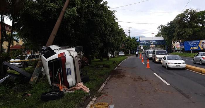 Un fallecido dejo accidente de transito en el Boulevard Los 44 de Santa Ana