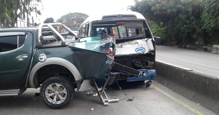 Seis lesionados tras dos accidentes de tránsito, registrados esta mañana en San Salvador