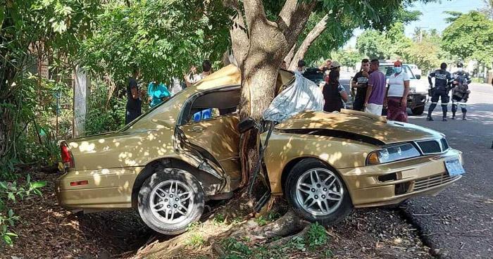 Un fallecido tras aparatoso accidente en carretera a Atiquizaya