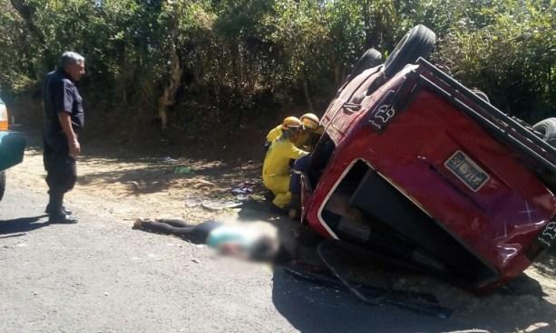 Una mujer muerta y 15 lesionados tras accidente de tránsito en carretera a Zacatecoluca