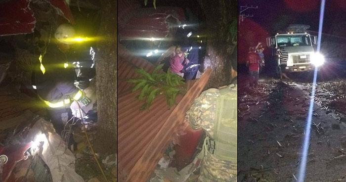 Dos lesionados tras aparatoso choque entre un pick up y una rastra cañera en La Paz