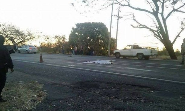 Tres peatones mueren tras ser atropellados en diferentes carreteras del país