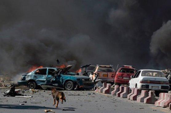 Se eleva la cifra a 150 muertos y 460 heridos por un camión bomba en el barrio diplomático de Kabul