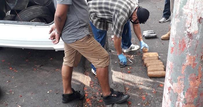 Agente de la UMO detenido cuando transportaba droga en San Miguel