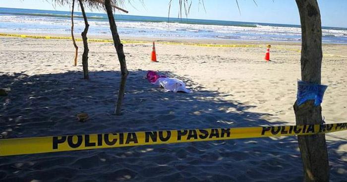 Dos jóvenes mueren ahogados en playa Zunganera, La Paz