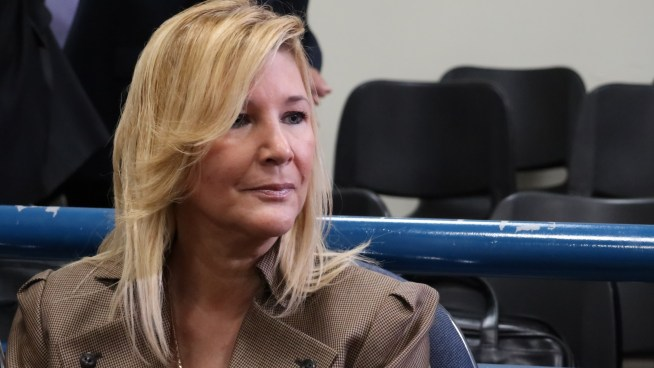 Abogado de Ana Ligia de Saca paga la fianza de $250 mil