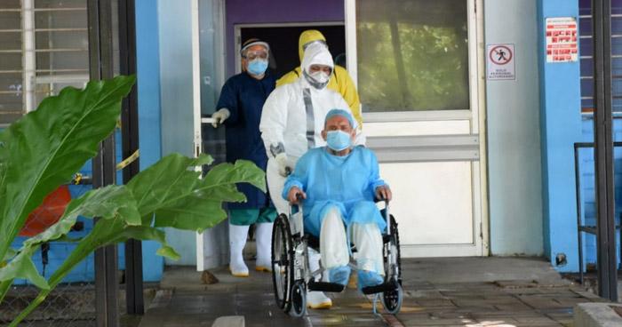 """Tres ancianos del Asilo """"Sara Zaldivar"""" se recuperan de COVID-19"""