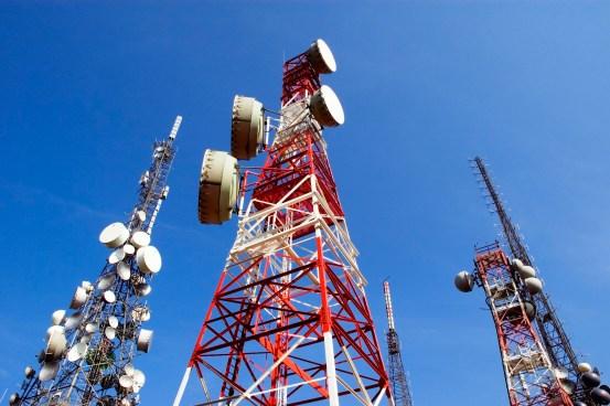 Inicia asignación de frecuencias a empresas de telefonía