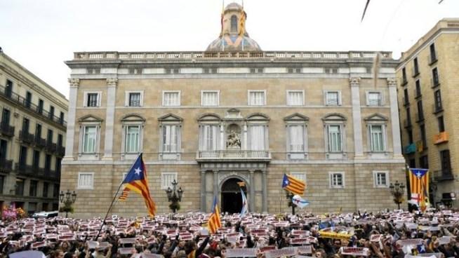 Tribunal Constitucional de España anula declaración de independencia de Cataluña