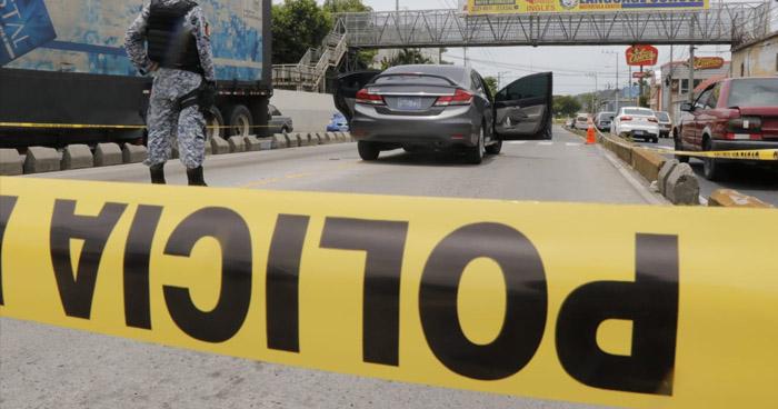 Dos detenidos tras asalto a mano armada en San Salvador