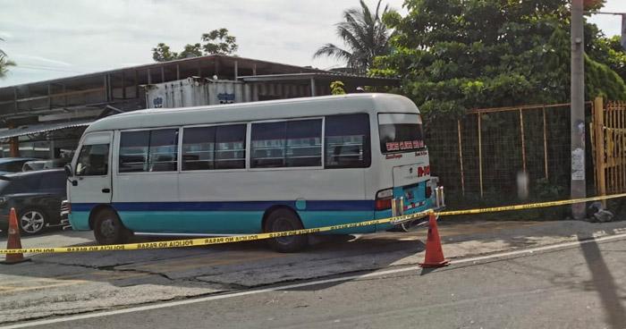 Pasajero herido de bala en asalto en microbús Ruta 10 por autodromo El Jabalí