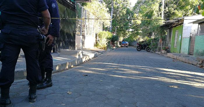 Matan a un hombre cuando limpiaba su vehículo para salir a trabajar en San Miguel