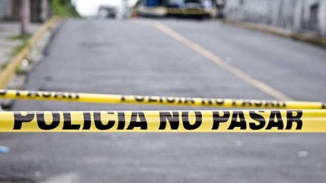 Pandilleros atacan a balazos a joven que llegó a visitar a un familiar en Mejicanos