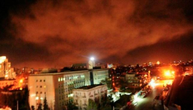 Estados Unidos, Reino Unido y Francia lanzan ataques contra Siria
