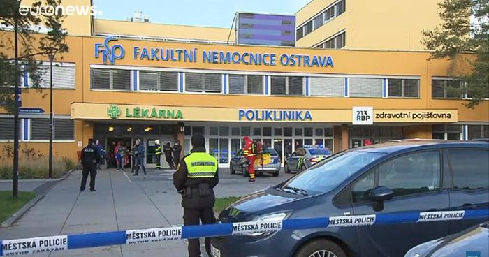 Ataque en una sala de un Hospital checo deja 6 muertos