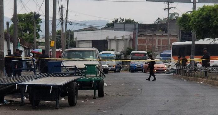 Hieren de bala a un hombre cerca del Mercado La Tiendona