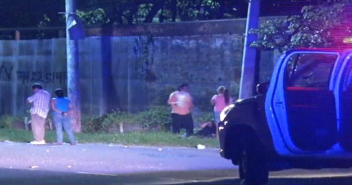 Joven muerto y otro lesionado tras ataque armado en carretera Troncal del Norte