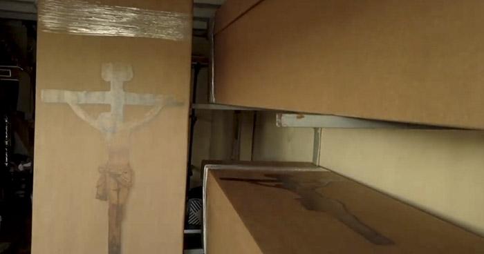 Ataúdes de cartón para muertos por COVID-19 en Guayaquil, Ecuador