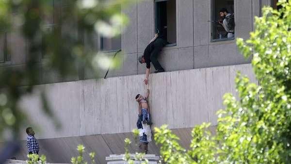 Doble atentado en Irán: hay al menos 12 muertos y 42 heridos