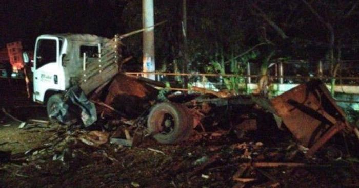 Tres policías muertos y otros 7 heridos tras explosión de coche bomba en estación policial en Colombia