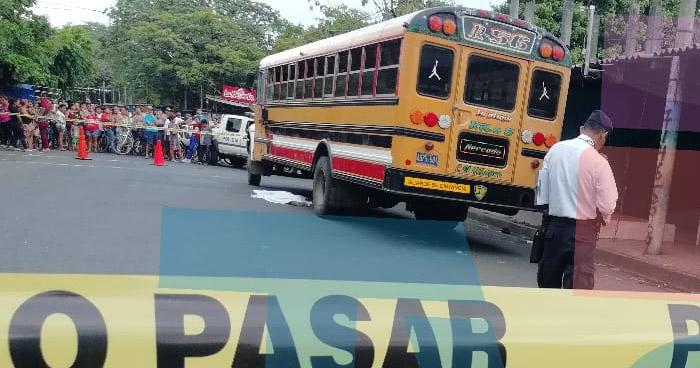 Niña muere tras ser atropellada por un autobús ruta 56 en Acajutla, Sonsonate
