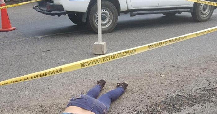Mujer que iba a visitar a su familia murió atropellada en carretera de Izalco, Sonsonate