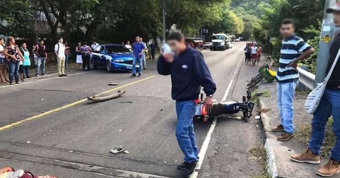 Motociclista sin casco gravemente lesionada tras accidente en La Libertad
