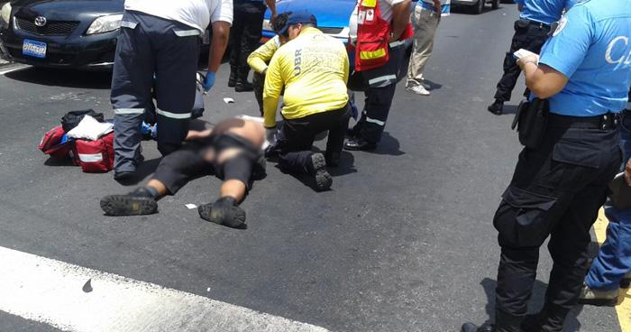 Un hombre murió tras ser atropellado en la alameda Juan Pablo II, San Salvador