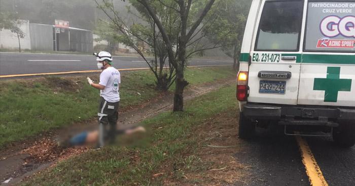 Hombre pierde la vida al ser atropellado en carretera Panamericana, Cuscatlán