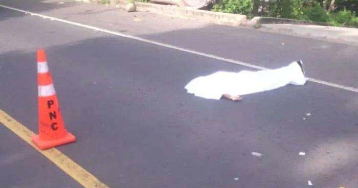 Hombre muere al ser atropellado en carretera a Suchitoto, Cuscatlán