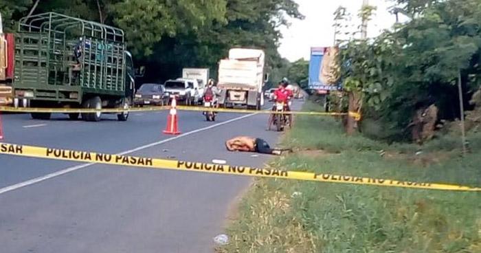 Hombre muere tras ser atropellado sobre carretera Litoral en Ereguayquín, Usulután