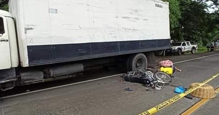 Vendedor de pan pierde la vida al ser arrollado por un camión en carretera Litoral