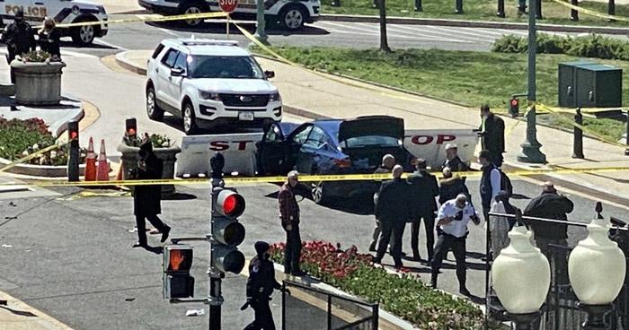 Un fallecido tras atropello a dos guardias frente al capitolio en Washington