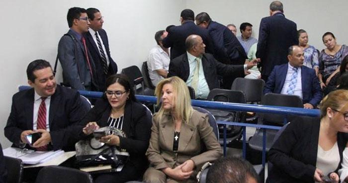 Cesar Funes propone dar propiedades a cambio de proceso abreviado para reducir pena
