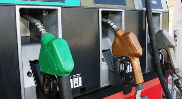 Leve alza en el precio de los combustibles
