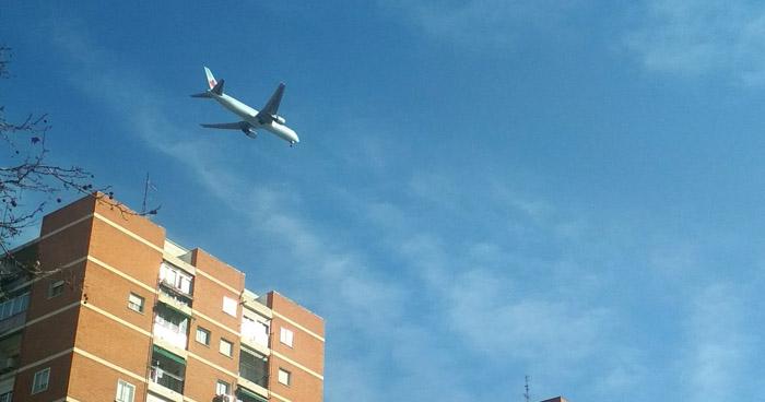 Madrid en alerta por avión de Air Cánada que sobrevuela a baja altura por fallas mecánicas