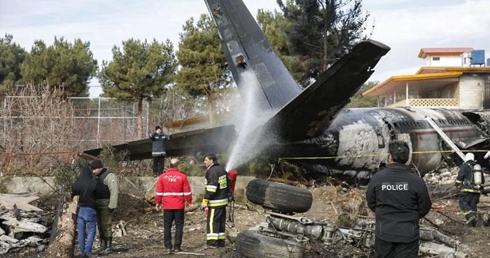 Un sobreviviente y 15 muertos luego que un avión de carga se estrellara en Iran