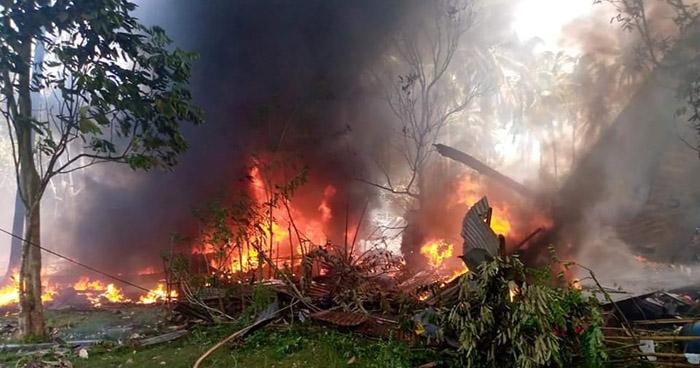 Al menos 45 muertos y 53 heridos al estrellarse un avión militar en Filipinas