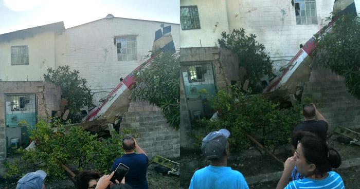 Dos muertos al estrellarse avioneta en residencial Bosques de La Paz, Ilopango