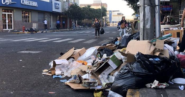 Promontorios de basura generan contaminación en San Salvador