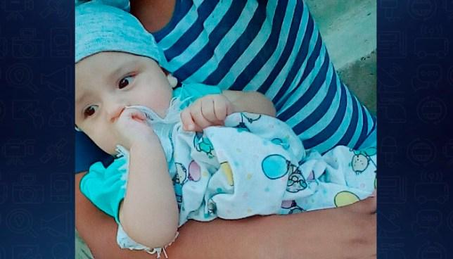 ALERTA: Roban a bebé de los brazos de su madre afuera de un centro comercial en Apopa