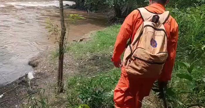 Continúa búsqueda de hombre que desapareció tras lanzarse al río Grande, en San Miguel