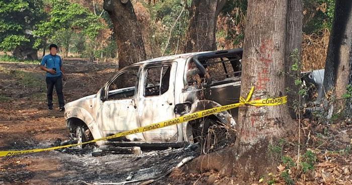 Encuentran cuerpo calcinado en un vehículo en carretera Sacacoyo, La Libertad