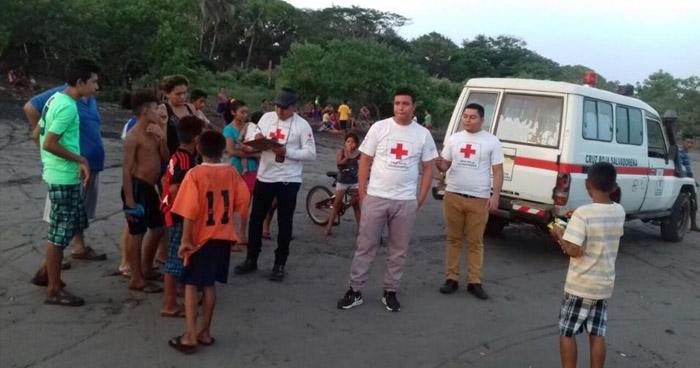 Encuentran el cadáver del joven que desapareció tras ser arrastrado por una corriente en playa El Carrizal