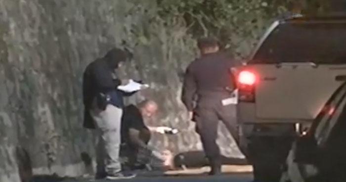Encuentran cadáver envuelto en sábanas en colonia de San Salvador