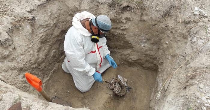 Encuentran restos humanos en fosa clandestina en Soyapango