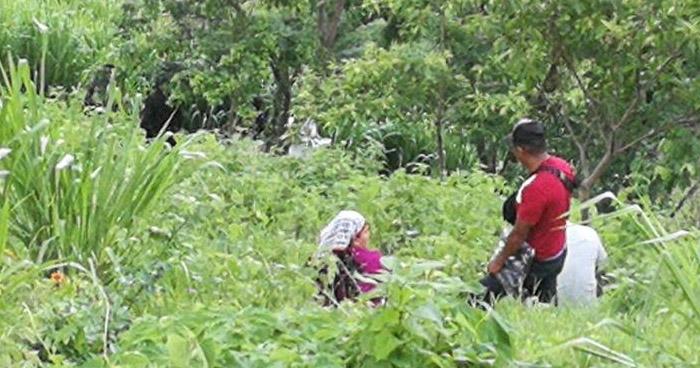 Asesinan a una mujer y abandonan su cadáver en un barranco, en Mejicanos